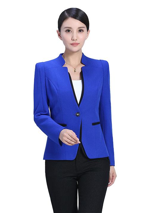 蓝色女士西服