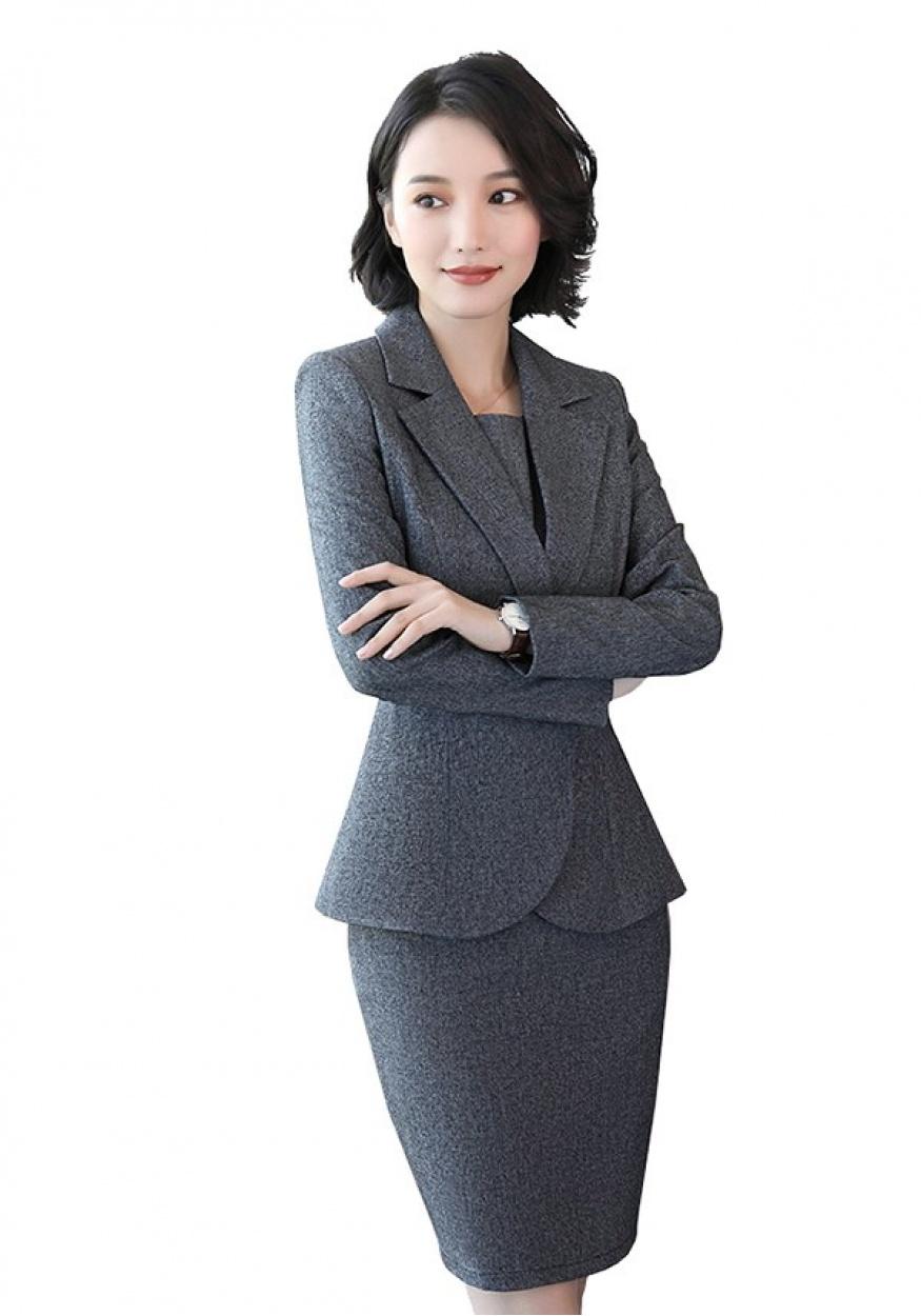 定制女式西服的因素以及搭配应注意什么?